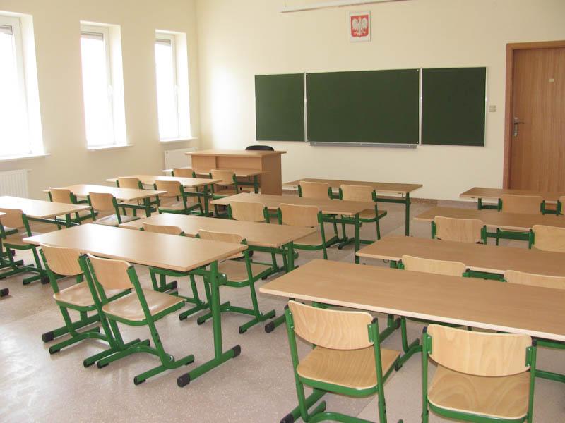 classroom, polish classroom, coronavirus